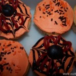 Halloween Cupcake Idea : Easy Spiders & Webs