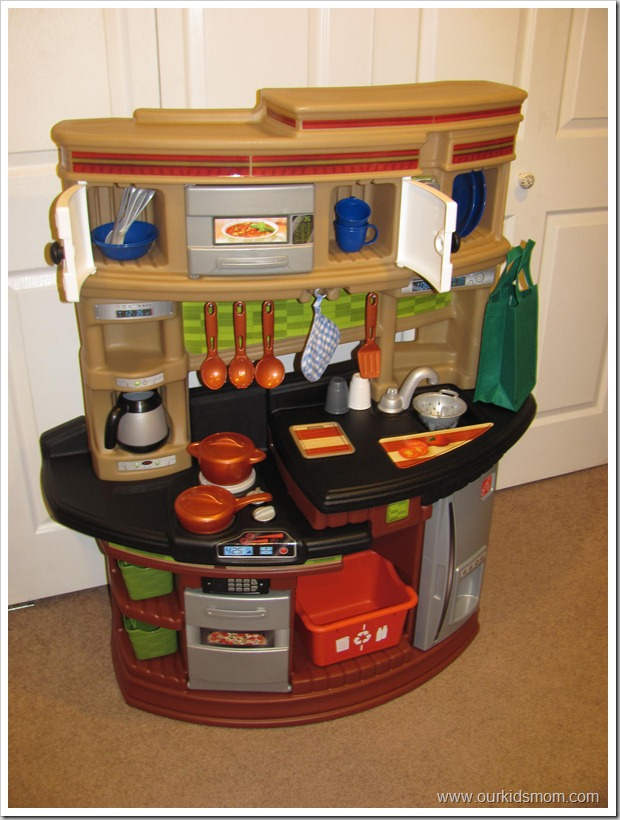 Step 2 Lifestyle Kitchen hgg step2 lifestyle legacy play kitchen review
