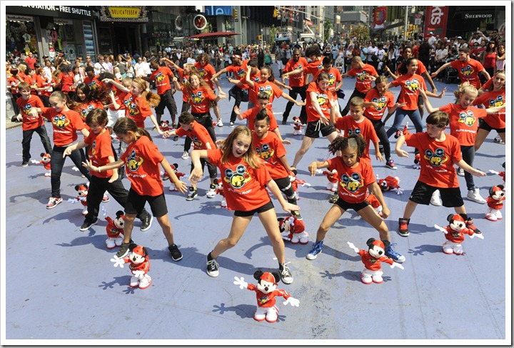 Master Moves Mickey Inspires A Times Square Flash Mob