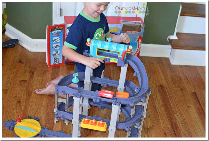 chuggington play set with boy