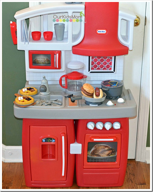 holiday gift guide | little tikes cook n grow kitchen