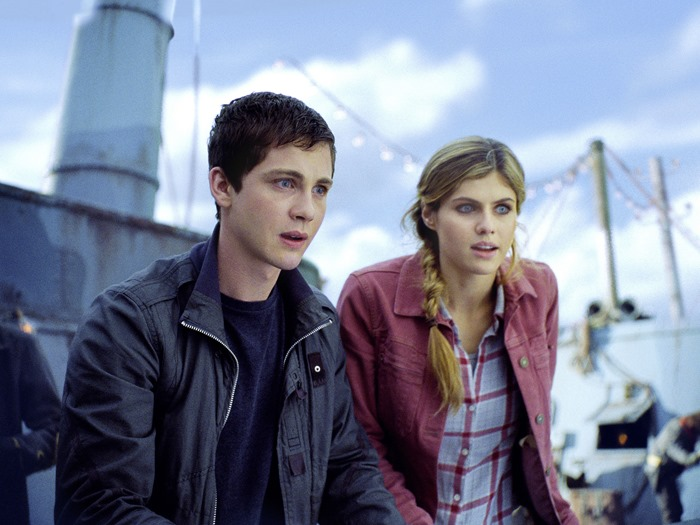 CC0130_cmp_V818.0070 - Percy Jackson (Logan Lerman) and Annabeth (Alexandra Daddario) react to the wonders of their new adventure.