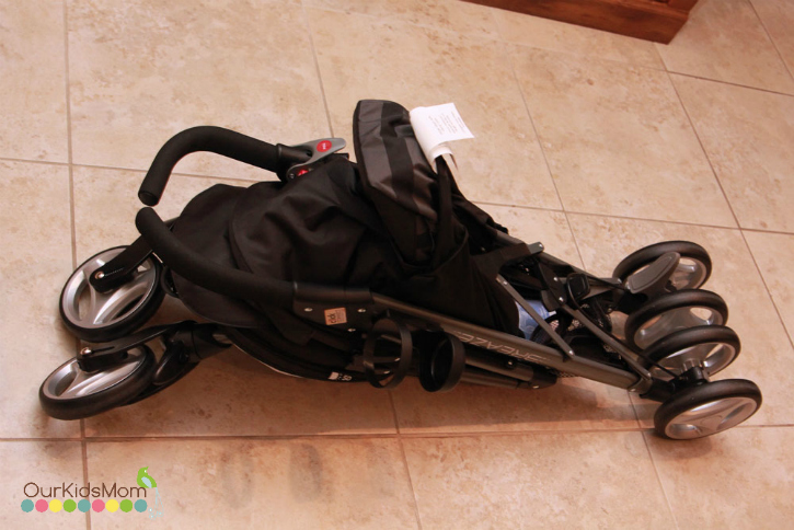 graco vreaze stroller folded up