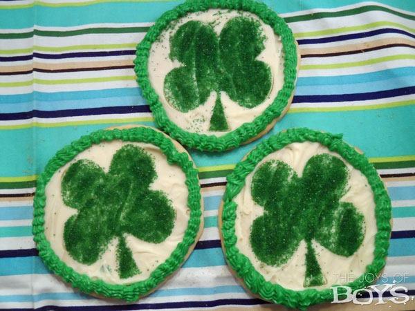 shamrock-sugar-cookies