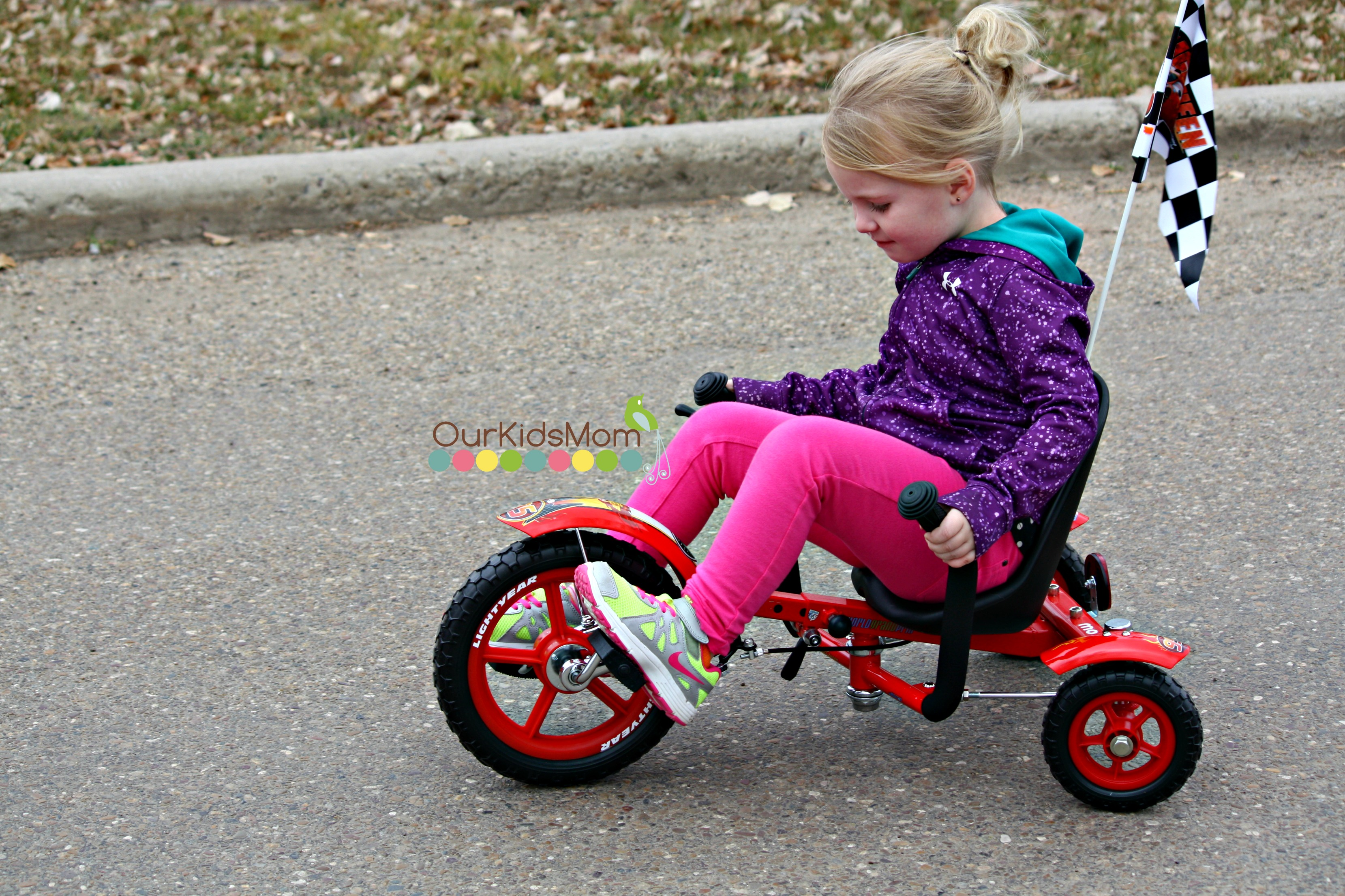 4 year old on the cruiser