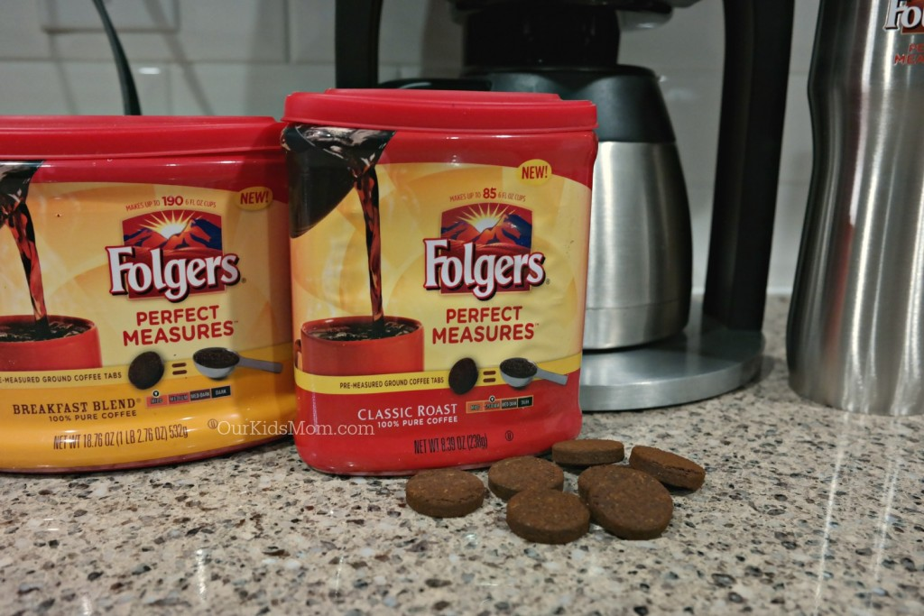 folgers perfect measures takes the scoop out of prep ourkidsmom. Black Bedroom Furniture Sets. Home Design Ideas