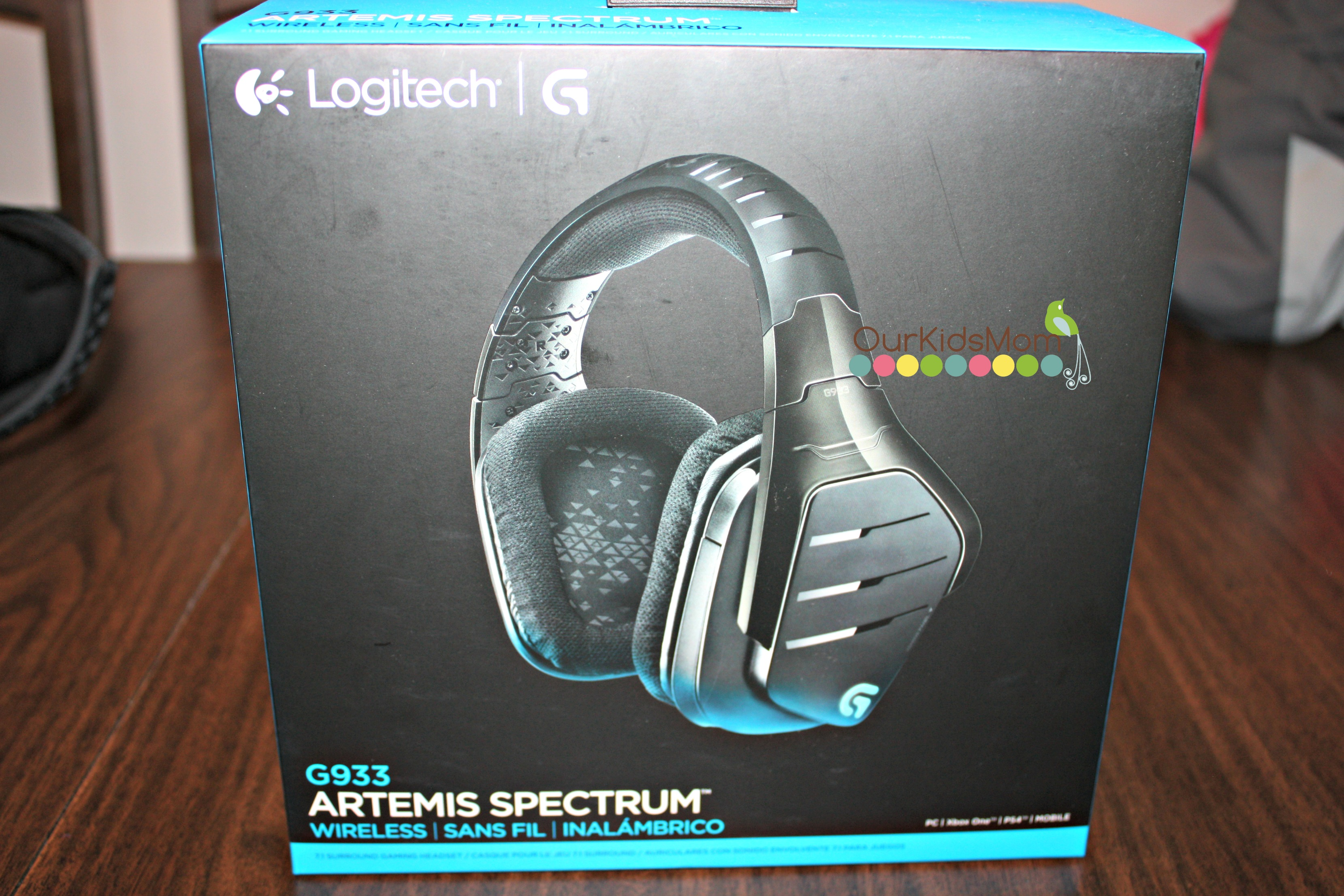 Headset in the box