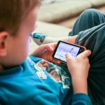 Helping Your Kids to Make Smart Choices Online